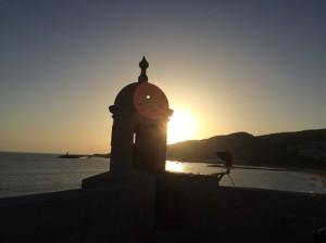 Ein früher Sonnenuntergang in Sesimbra