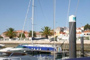 Setúbal von der Marina aus gesehen