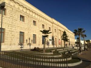 Das Marktgebäude in Rota