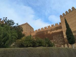 Die maurischen Zinnen der Alcazaba