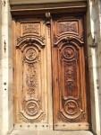 Die (leider verschlossene) Tür zur Kathedrale ist wunderschön verziert
