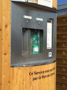 Der Mineralwasserautomat am Hafen von Cannes, ein super Service