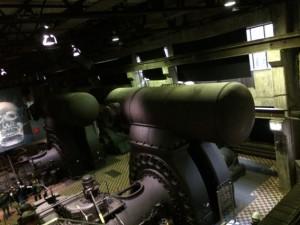 In der Gasgebläsehalle stehen riesige Maschinen