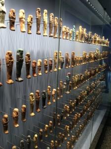 Ägyptische Grabbeigaben und Amulette