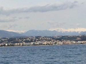 Die schneebedeckten Seealpen