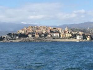 Die Altstadt von Imperial ist vom Wasser aus deutlich sichtbar