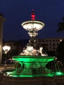 Brunnen in den italienischen Farben