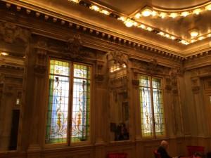 Jugendstilfenster im Foyer