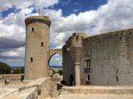 Castell mit Wachturm