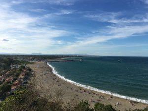 Der lange Strand von Racou