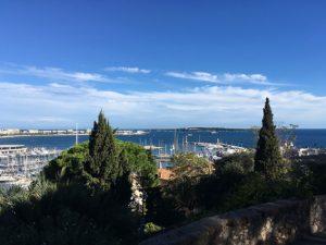 In der Bucht von Cannes werden die Regatten gesegelt