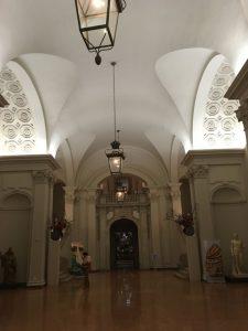 Der wundervoll restaurierte Eingangsbereich des Museums